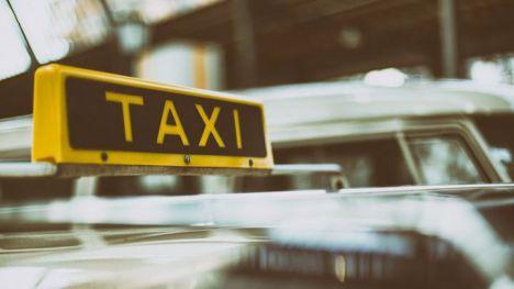 Denunciado por no pagarle la carrera a un taxista en Alhama
