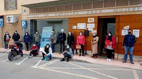 FOTOS 15 jóvenes de Alhama y Librilla se forman en limpieza de edificios