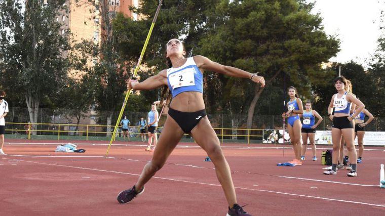 La atleta Lucía Morales en una foto de Archivo del Club Atletismo Alhama.
