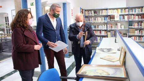 Los hermanos Amela Martínez realizan una donación al Archivo de Alhama