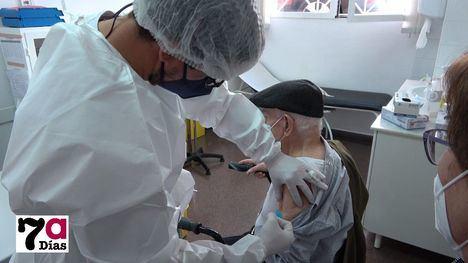 VÍD. Primera dosis para mayores de 92 años y grandes dependientes
