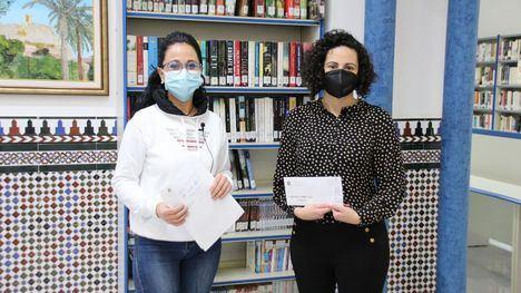 VÍD/FOT 'Cadena de Mujeres', de Lidia Férez, gana el concurso literario del 8M
