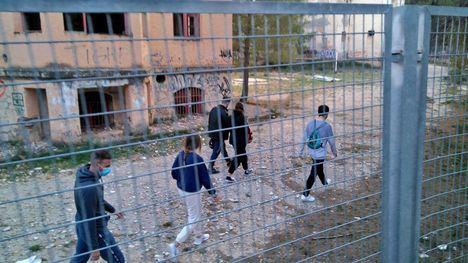Otros cinco jóvenes desalojados del sanatorio de S. Espuña