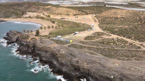 Un helicóptero se une a la búsqueda de inmigrantes en Mazarrón
