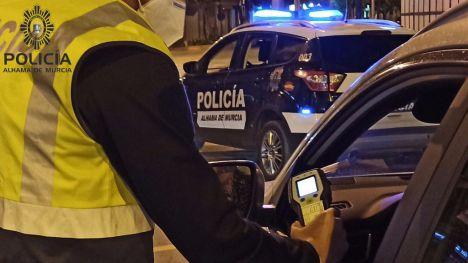 Detenido al triplicar la tasa de alcohol tras un accidente de coche