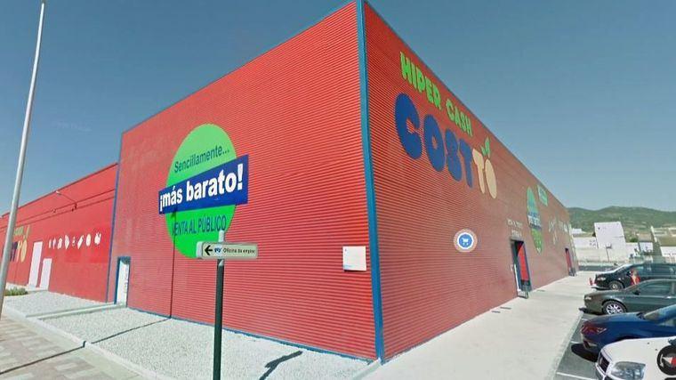 El Ayuntamiento niega irregularidades en la licencia de Cash Costto