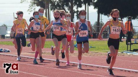 FOTOS Intensa jornada para los Sub10 y Sub12 en la pista de atletismo