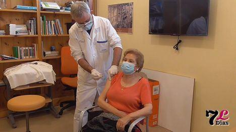 VÍD. Avanza la vacunación en Librilla para mayores de 70