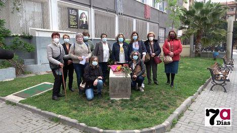 VÍD. Ceres cumple con su cita en el monolito a José Calero