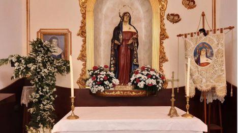 La ermita de la Virgen de los Dolores se abre a sus vecinos los viernes
