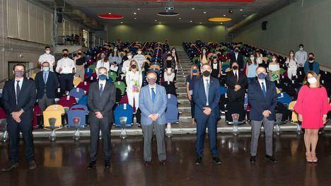 Grupo Fuertes y la UMU entregan los diplomas a los alumnos de la tercera promoción del programa Business Talent