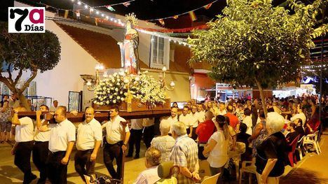 FOTOS y VIDEO Misa y procesión, broche a las fiestas del Barrio