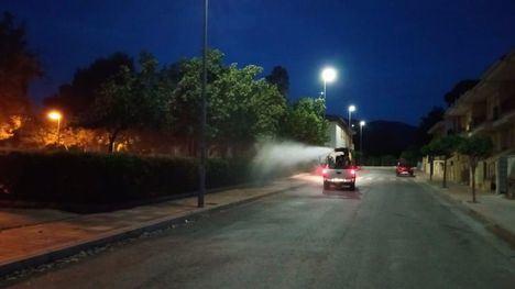 FOTOS Culmina la fumigación de zonas verdes de Alhama