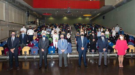 V/F Grupo Fuertes y la UMU entregan los diplomas del programa Business Talent