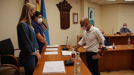 VÍDEO Juan Cerón toma posesión de su acta de concejal