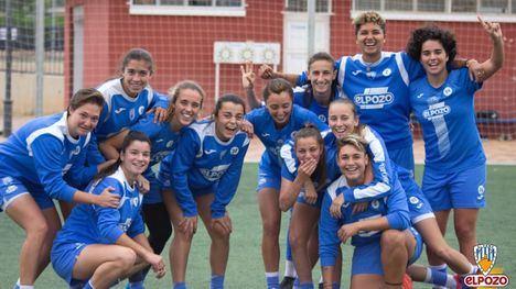 Las azulonas, en el último entrenamiento de la temporada este viernes en el Guadalentín.