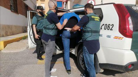 VÍD. La G. Civil detiene en Mazarrón a un conocido delincuente