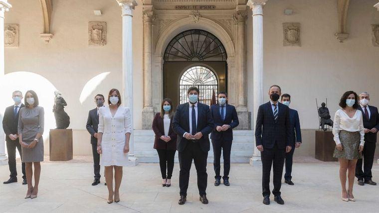 López Miras y su gobierno ya son oficialmente tránsfugas
