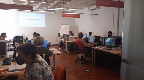 FOTOS 15 alumnos inician el curso de gestión en Librilla