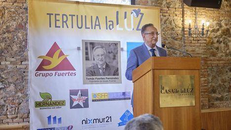 Tomás Fuertes analiza la situación económica y empresarial española en la tertulia 'La Luz'