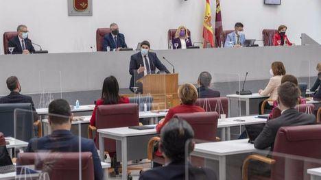 López Miras cambia las leyes para intentar perpetuarse en el poder