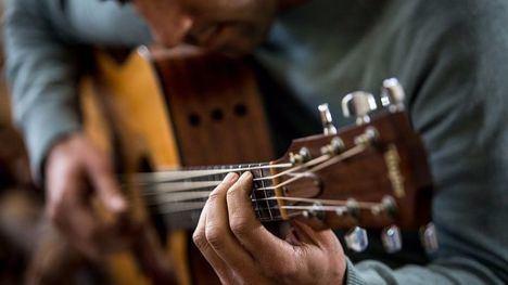Talleres de percusión y guitarra para pasar el verano en Librilla