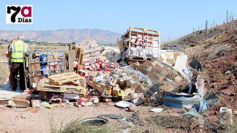 FOTOS El conductor del camión accidentado se recupera en su casa