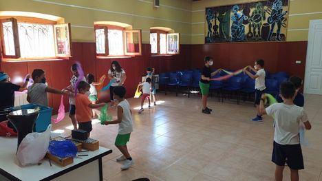 FOT. Arrancan los talleres de música en la escuela de Alhama