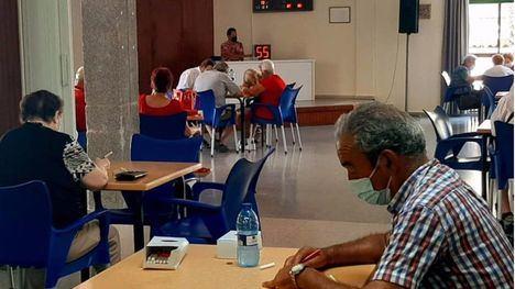 FOTOS Vuelve el bingo en el Centro de Mayores de la Cubana