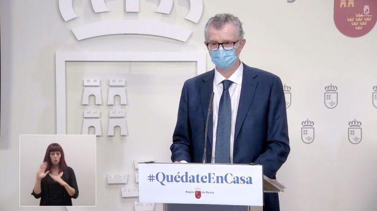 El consejero de Salud, Juan José Pedreño, en rueda de prensa.