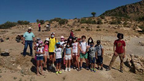 FOT. Los niños de la Escuela de Verano visitan Las Paleras