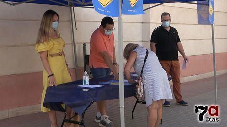 VÍDEO El PP recoge firmas contra el traslado del recinto ferial
