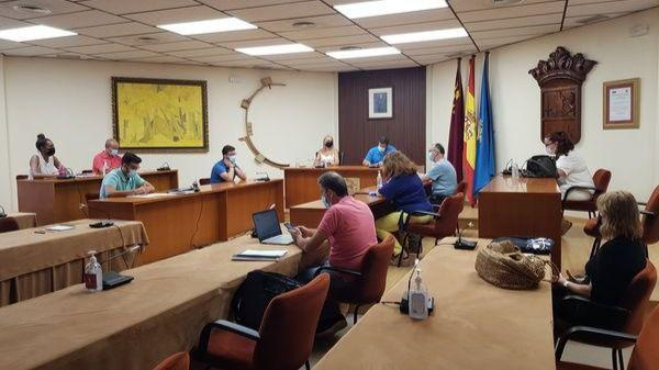 El Ayuntamiento firma un convenio para las Fiestas del Barrio