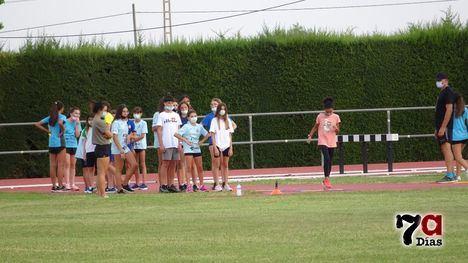 VÍDEO Ilusionante regreso a los entrenos del Atletismo Alhama