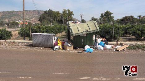 FOTOS Más vertidos ilegales en el camino de las Viñas