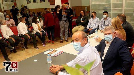 V/F Vélez presenta en Alhama su proyecto para liderar el PSRM