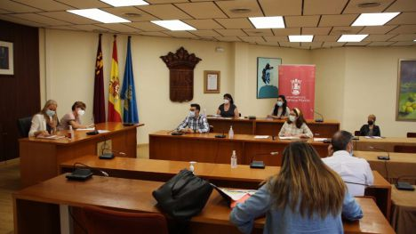Ayuntamiento renueva el convenio con el grupo Villa de Alhama