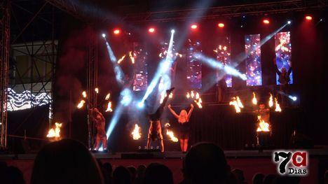 VÍD. El talento protagoniza la noche del sábado de Feria