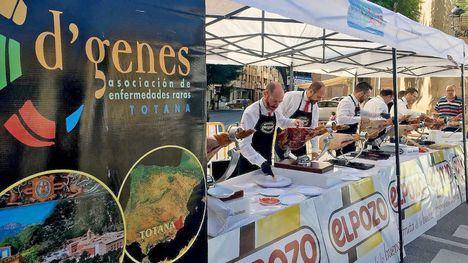 Totana disfruta del jamón en solidaridad con D'Genes y AELIP