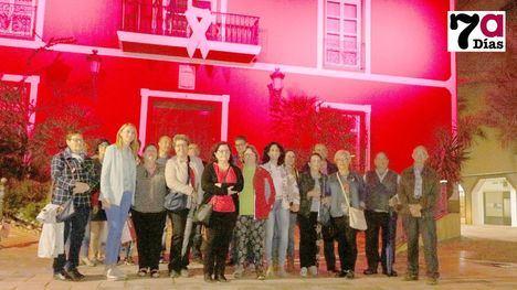 VÍDEO El rosa ilumina el Ayuntamiento por el Día del Cáncer de Mama