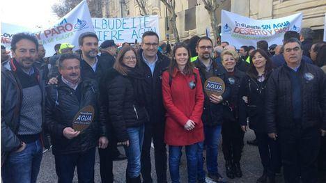 Diego Conesa, secretario general del PSRM-PSOE, en la última manifestación de los regantes en Madrid