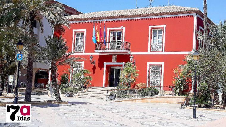 El Ayuntamiento oferta un puesto de auxiliar administrativo y otro de maestro de obras