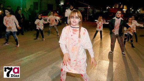 FOTOS Vampiros y zombies, al ritmo de la música por Librilla