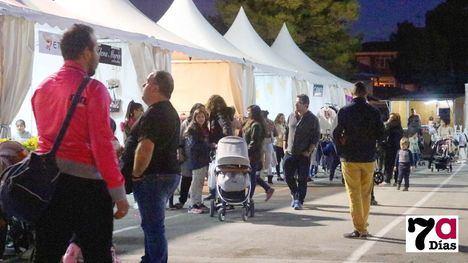FOTOS El comercio sale al encuentro de sus clientes en Alhama