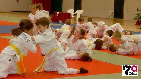 FOTOS Exhibición de los pequeños judocas en el Torneo El Zagalico