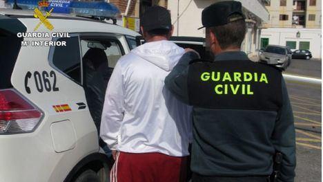 Detenidos en Mazarrón dos hermanos mientras robaban en viviendas