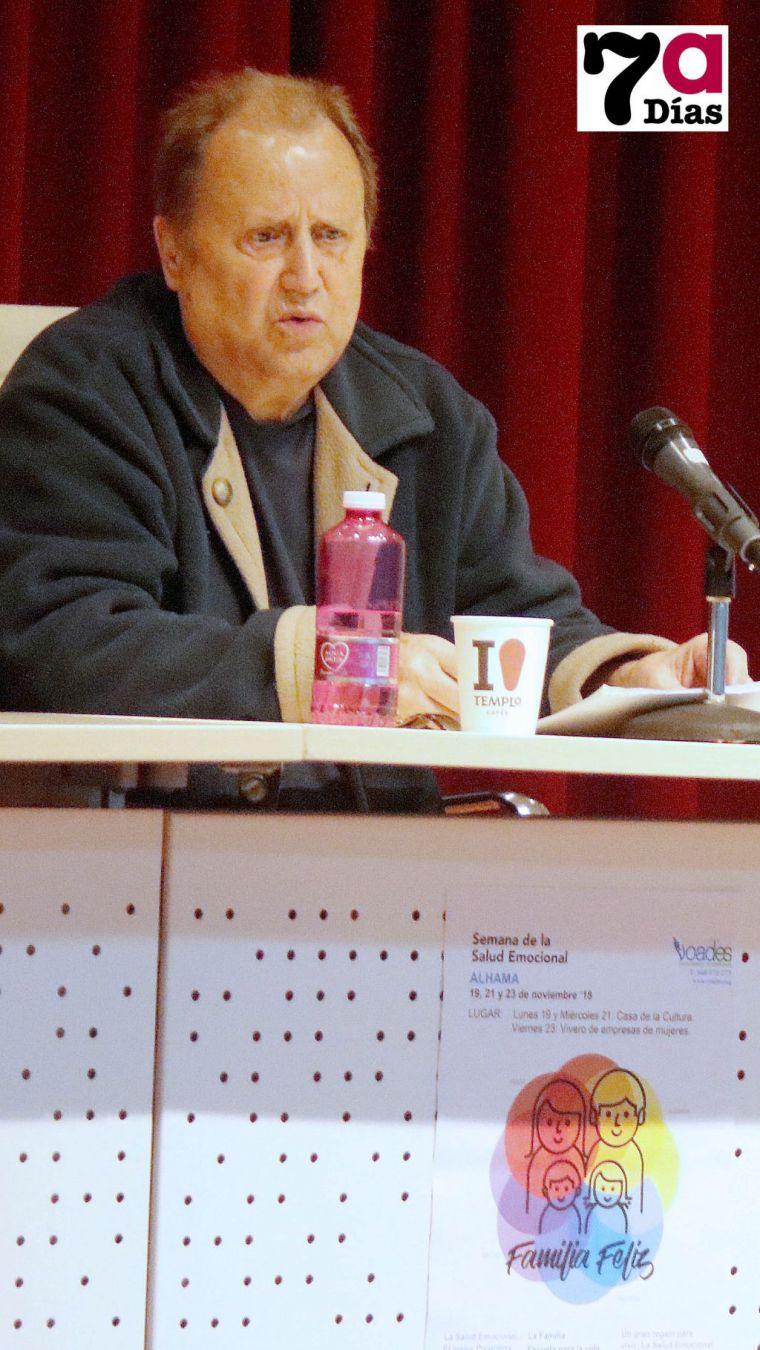 'Los sermones no valen para educar', afirma el orientador S. Vizcaíno