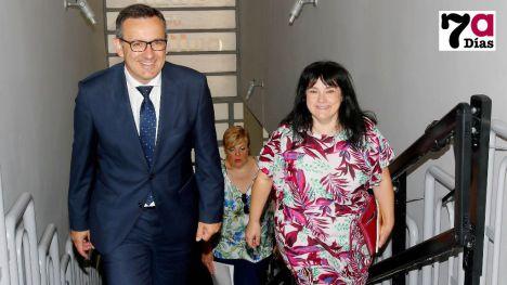 El delegado del Gobierno y la alcaldesa de Librilla, momentos antes de la Junta Local de Seguridad