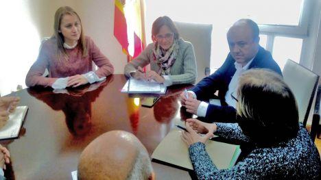 Guevara se reúne con la delegada del Gobierno de Canales del Taibilla