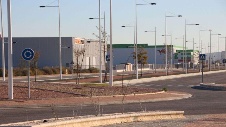 Una nueva empresa llega al Polígono y otra amplía su inversión